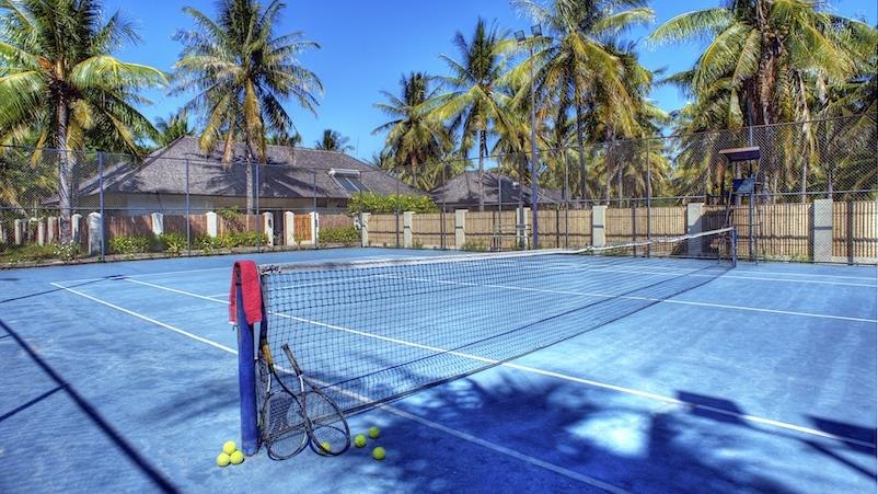 Tennis court at the Trawangan club