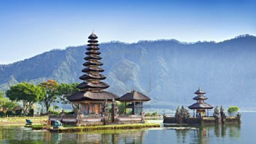 Bratan Lake & Ulun Danu Temple