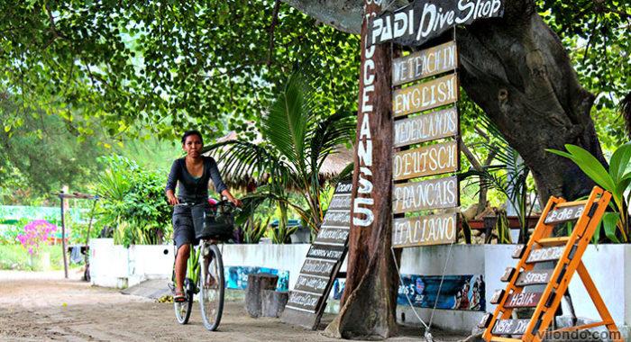 Biking Woman Gili Air