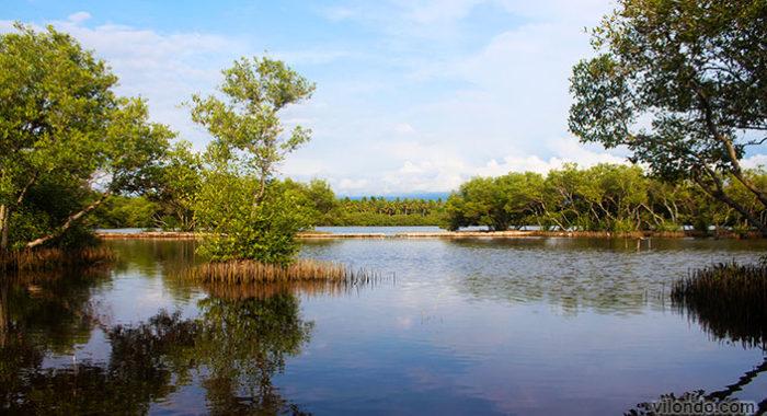 Gili Meno Inland Lake