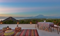 Alfresco Dining on the Terrace - 353 Degrees North - Nusa Lembongan, Bali