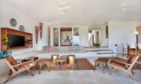 Living Area with TV - 353 Degrees North - Nusa Lembongan, Bali