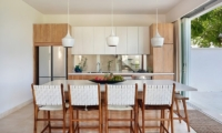 Kitchen and Dining Area - 353 Degrees North - Nusa Lembongan, Bali