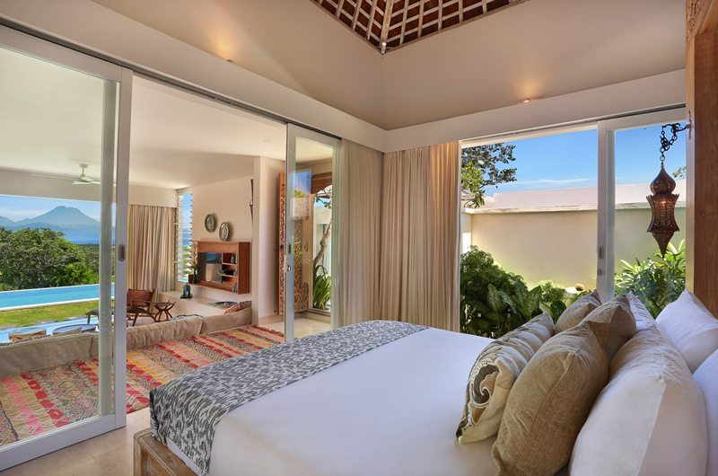 Bedroom with Pool View - 353 Degrees North - Nusa Lembongan, Bali