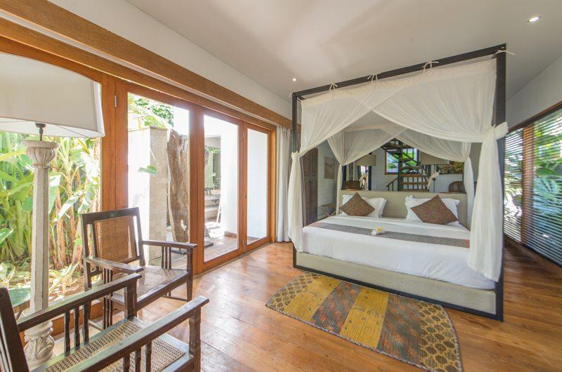 Spacious Room with Wooden Floor - Abaca Villas - Seminyak, Bali