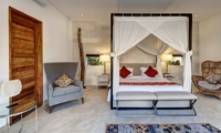 Spacious Bedroom with Table Lamps - Abaca Villas - Seminyak, Bali