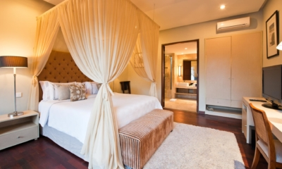 Bedroom with TV - Akara Villas 1 - Seminyak, Bali