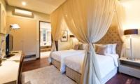 Bedroom with Twin Beds - Akara Villas 1 - Seminyak, Bali