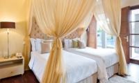 Twin Bedroom - Akara Villas 1 - Seminyak, Bali