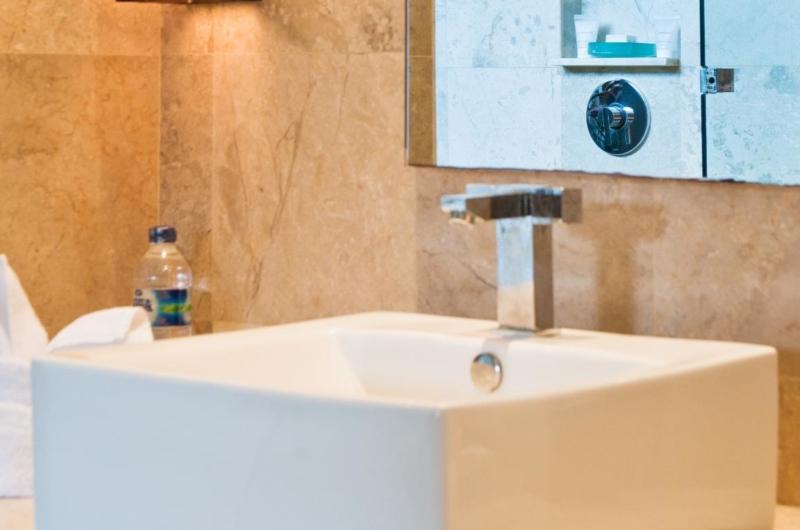 Bathroom - Akara Villas 1 - Seminyak, Bali