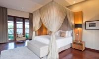 Bedroom with Table Lamps - Akara Villas 3 - Seminyak, Bali