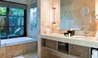 Bathroom with Mirror - Akara Villas 3 - Seminyak, Bali