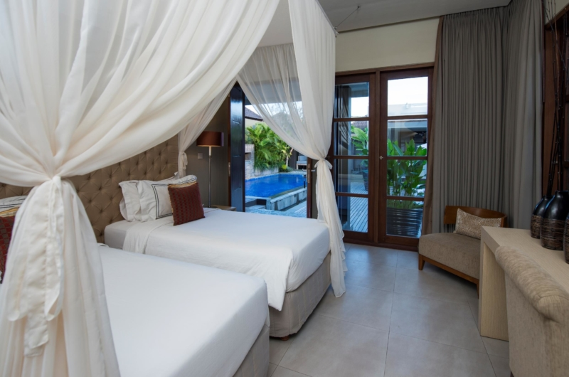 Twin Bedroom with Pool View - Akara Villas 8 - Seminyak, Bali
