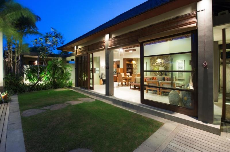 Outdoor Area - Akara Villas 8 - Seminyak, Bali