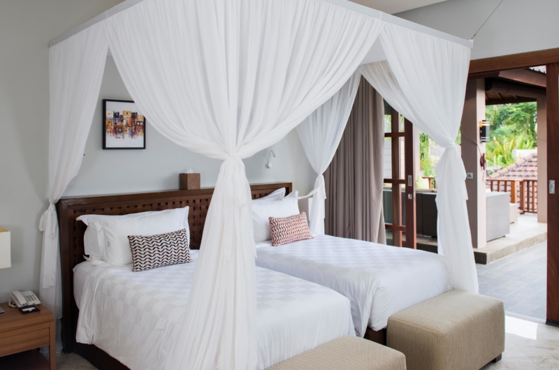 Bedroom with Twin Beds - Akara Villas M - Seminyak, Bali