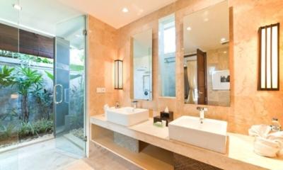 His and Hers Bathroom with Mirror - Akara Villas - Seminyak, Bali