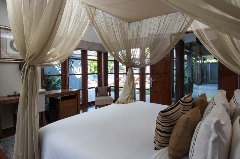 Bedroom with Garden View - Akara Villas - Seminyak, Bali