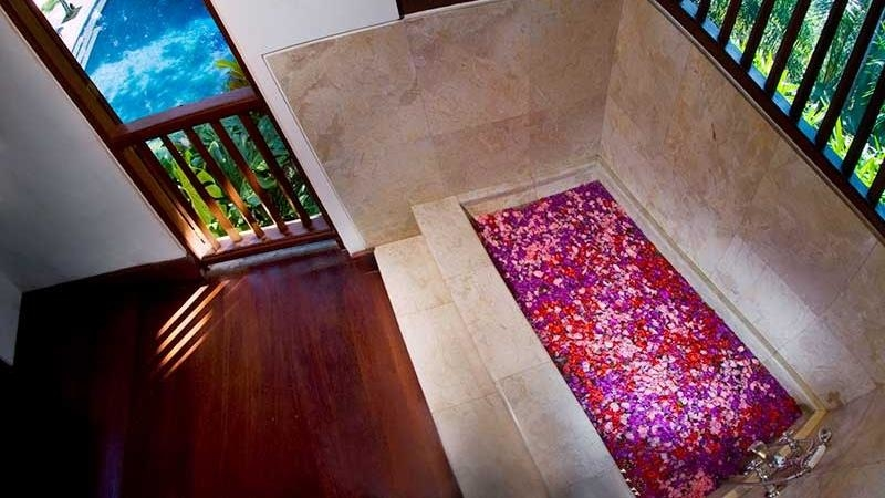Romantic Bathtub Set Up - Alamanda Villa - Ubud, Bali