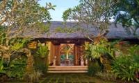 Entrance - Alamanda Villa - Ubud, Bali