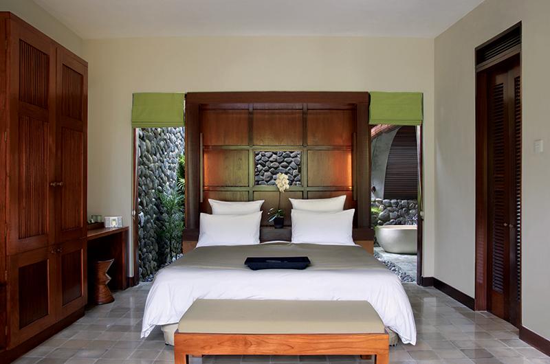 Bedroom and En Suite Bathroom - Alila Ubud Villas - Ubud, Bali