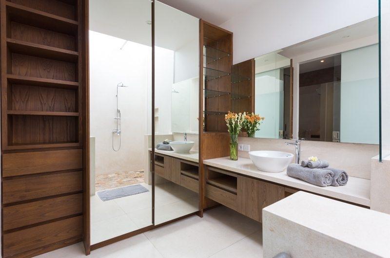 Bathroom with Mirror - Allure Villas - Seminyak, Bali