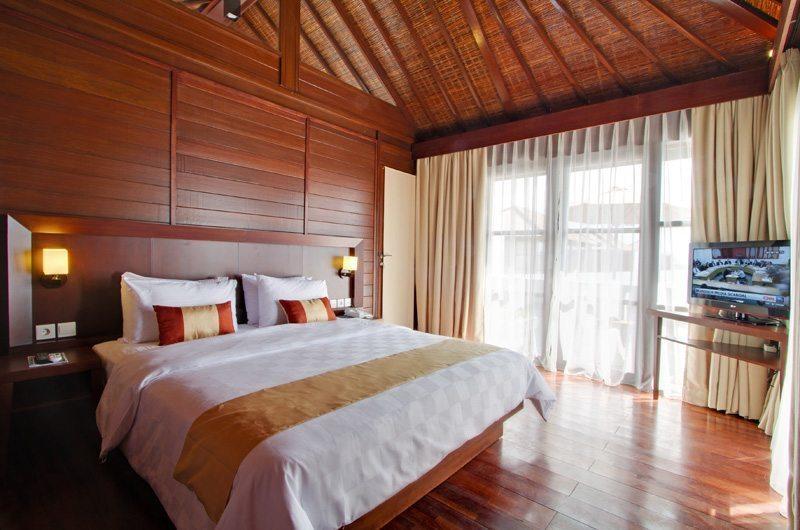 Bedroom with Wooden Floor - Amadea Villas - Seminyak, Bali