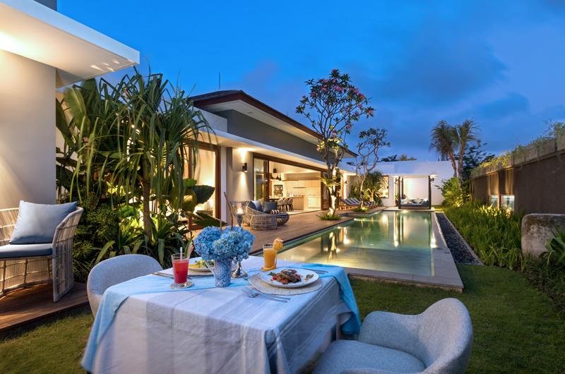 Pool Side Dining - Amarin Seminyak - Seminyak, Bali