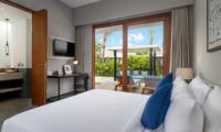 Bedroom with Study Area - Amarin Seminyak - Seminyak, Bali