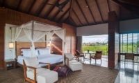Spacious Bedroom with Seating Area - Ambalama Villa - Seseh, Bali