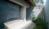 Semi Open Bathtub - Ambalama Villa - Seseh, Bali