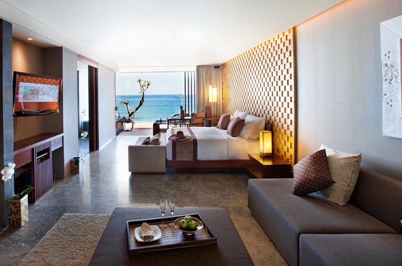 Bedroom and Balcony with Sea View - Anantara Uluwatu Resort - Uluwatu, Bali