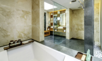 En-Suite Bathroom with Bathtub - Anantara Uluwatu Resort - Uluwatu, Bali