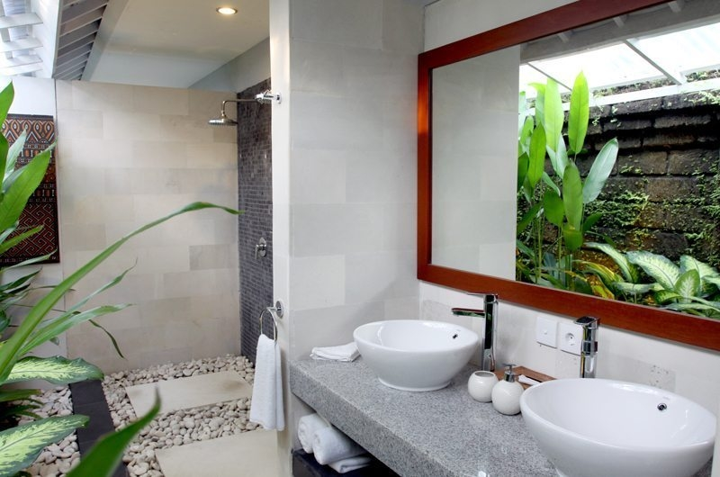 His and Hers Bathroom - Anyar Estate - Umalas, Bali