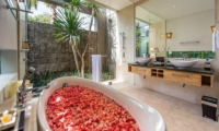 Romantic Bathtub Set Up - Aramanis Villas - Seminyak, Bali