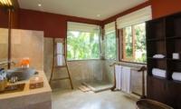 Bathroom with Mirror - Atas Awan Villa - Ubud, Bali