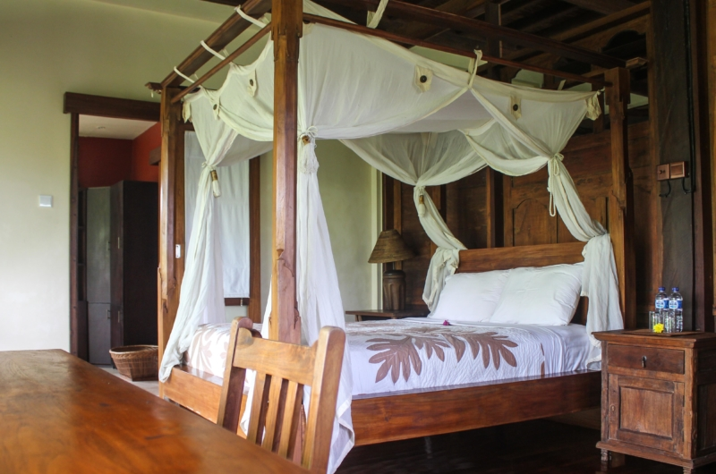 Bedroom with Study Table - Atas Awan Villa - Ubud, Bali