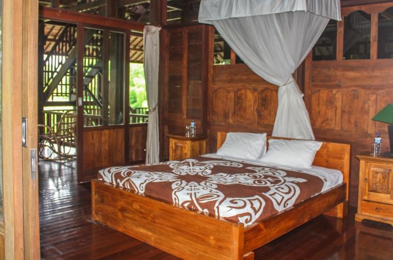 Bedroom and Balcony - Atas Awan Villa - Ubud, Bali