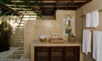 Semi Open Bathroom - Atas Awan Villa - Ubud, Bali