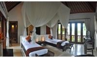 Twin Bedroom with TV - Awan Biru Villa - Ubud, Bali