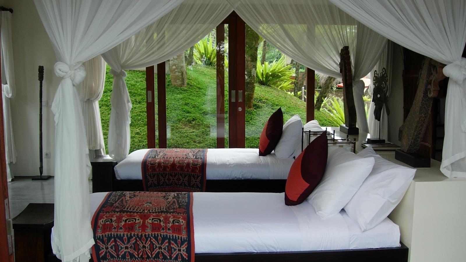 Twin Bedroom with Garden View - Awan Biru Villa - Ubud, Bali