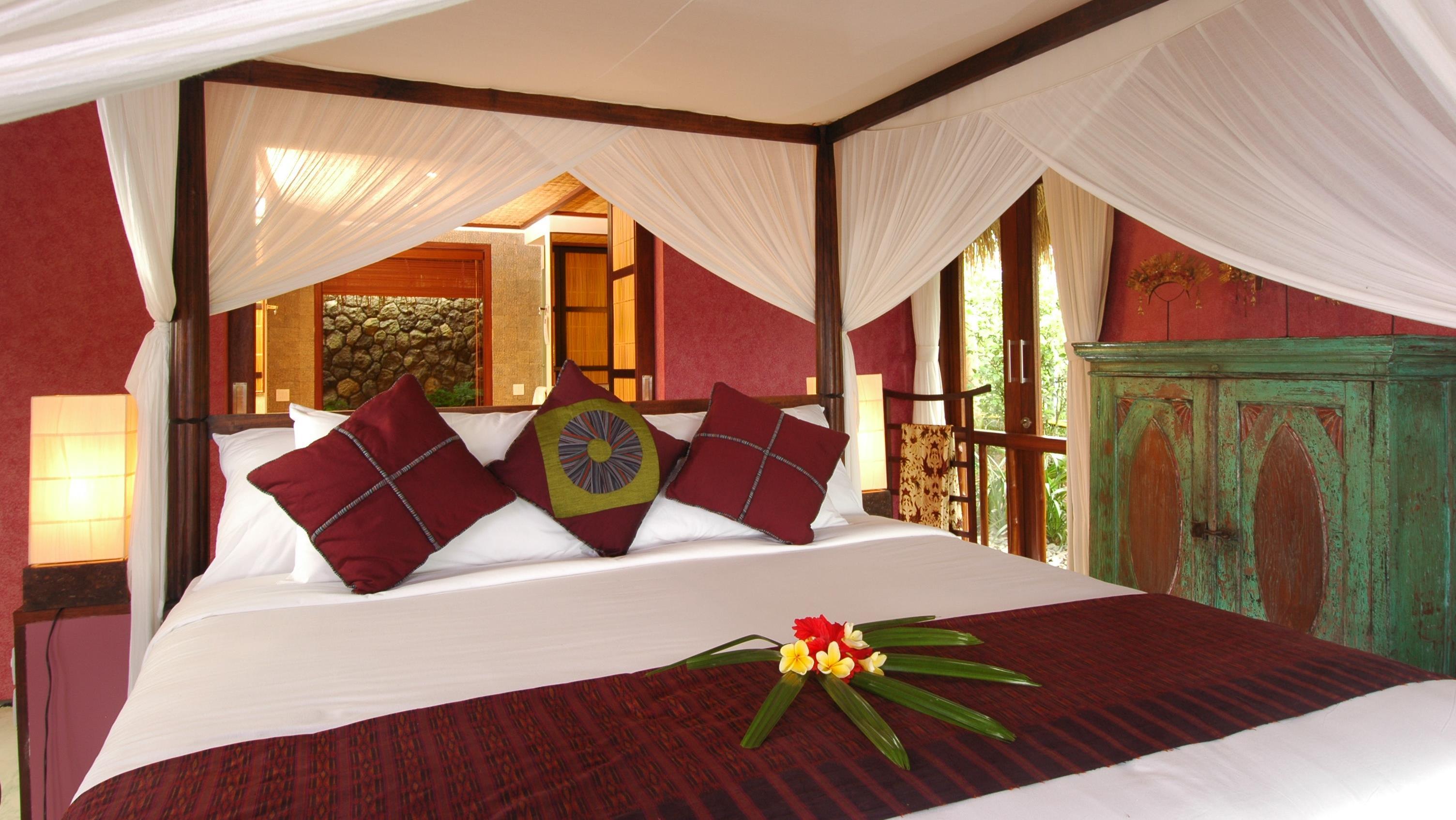 Four Poster Bed - Awan Biru Villa - Ubud, Bali