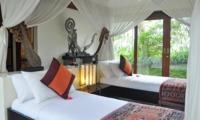 Twin Bedroom with Mosquito Net - Awan Biru Villa - Ubud, Bali