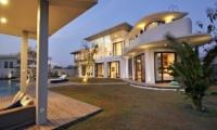 Gardens - Villa Balangan Sunset - Uluwatu, Bali