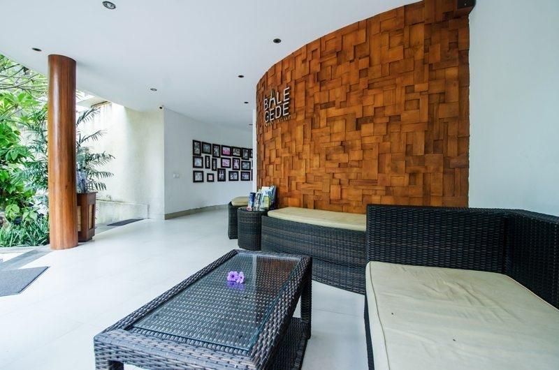 Reception Lounge - Bale Gede Villas - Batubelig, Bali