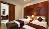 Twin Bedroom - Bale Gede Villas - Batubelig, Bali