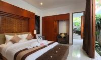 Bedroom - Bale Gede Villas - Batubelig, Bali