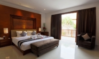 Bedroom with Seating Area - Bale Gede Villas - Batubelig, Bali
