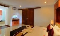 Bedroom with TV - Bale Gede Villas - Batubelig, Bali