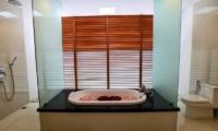 Romantic Bathtub Set Up - Bale Gede Villas - Batubelig, Bali