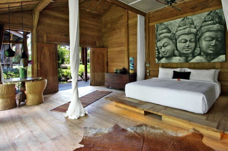 Bedroom with Wooden Floor - Bali Ethnic Villa - Umalas, Bali